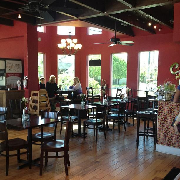 5th street patio cafe interior frisco texas